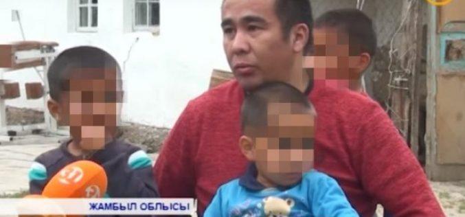 Жамбыл облысында арбаға таңылған ер адам 3 баласын жалғыз өзі асырап отыр