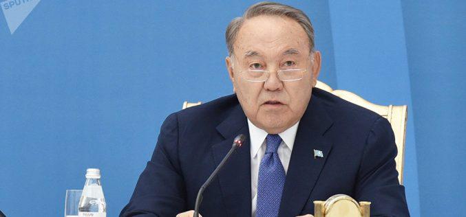 Назарбаев: Қол қусырып отыратын болсаңыздар, біз жақсы партия бола алмаймыз