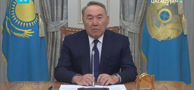 Назарбаев Президенттік өкілеттігін тоқтатты