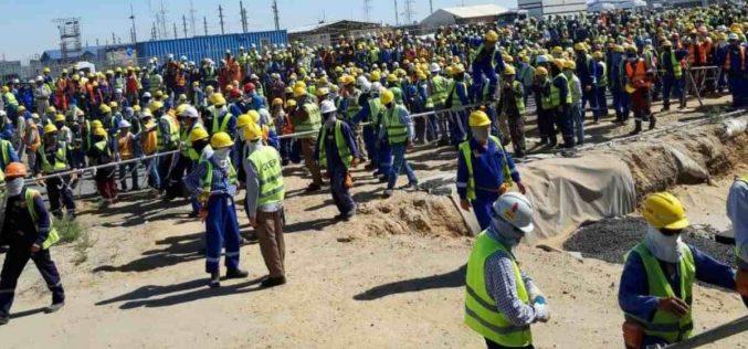 «Жұмыстан заңсыз шығарды»: Теңіз кенішінде жұмысшылар тағы да бас көтерді