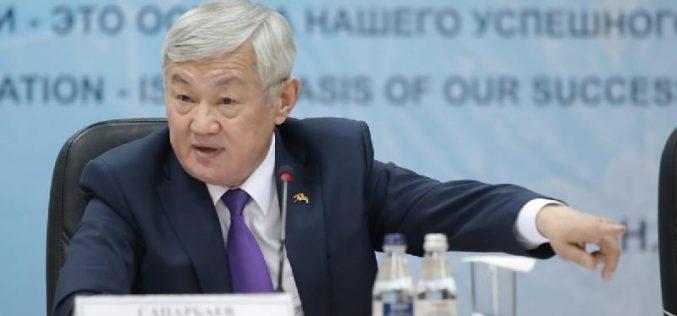 Бердібек Сапарбаев: Білім сапасы ақсап барады