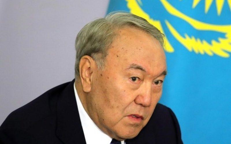 Кремль Назарбаевқа жауап берді: «Путин қашпайды»